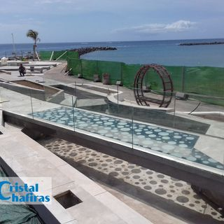 Pasarela de cristal en Las Américas Tenerife