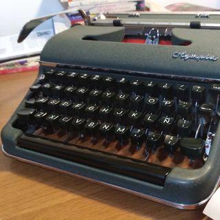 Cierto amor por las máquinas de escribir