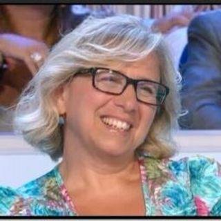 La scrittrice Marina Minelli ai microfoni di Radio Arancia 10 04 2021