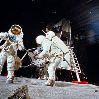 Interstellar Expose Moon Landing Hoax?