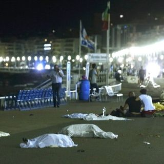 80+ DEAD AFTER DRIVER RAMS TRUCK INTO CROWDS ON BASTILLE DAY; I Blame French President Francois Hollande