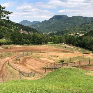 """Il crossodromo rimane attivo: convezione ok. Si """"sgasa"""" sulla pista delle Piccole Dolomiti"""