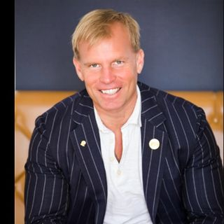 Episode 36-Use the AWESOME method with Wade Lightheart to achieve optimal health and success--Dream Life is Real Life with Hanna Hermanson