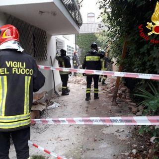 Crolla una vecchia abitazione, paura nel quartiere di San Marco