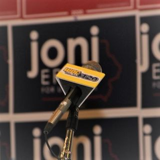 Senator Joni Ernst calls into AM Quad Cities days before the election