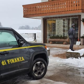 """""""Affari abusivi"""" su seconde case. Indagate cinque agenzie immobiliari dell'Altopiano"""