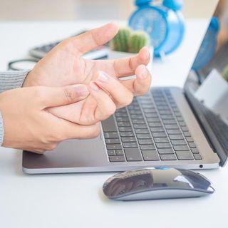 ¿Te has lastimado las manos usando la computadora, el celular o los videojuegos?