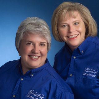 Get Healthy! Air frying, Revolutionizing Home-cooked Comfort foods. Roxanne Wyss, & Kathy Moore