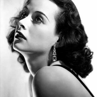 Lamarvelous: La mujer más bella de la historia del cine.