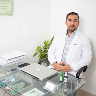 """""""Hay evidencia del uso del #cannabis contra el dolor crónico"""".- Entrevista con Dr. Max Alzamora.- Epi 36"""