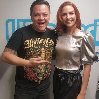 La cantante francesa 'Charlotte' le canta a Bogotá '