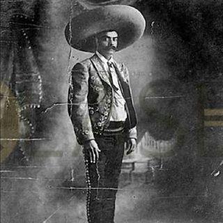 Chuck Y La Revolución Mexicana
