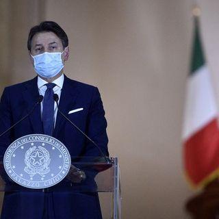 Dpcm divide l'Italia in tre aree di rischio. Polemiche dai presidenti di regione