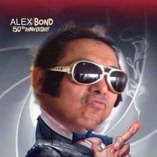 Alex Lo es