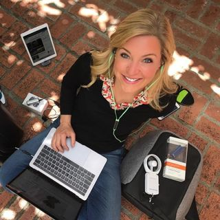 Tech Journalist Jennifer Jolly shares #lastminute gift ideas for #techlovers and more on #ConversationsLIVE ~ @jenniferjolly #techie