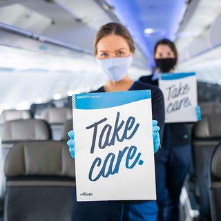 Alaskan Airlines: Kicks off passenger for mask