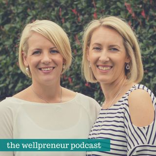 {e155} Sistermixin's Tracey and Jo talk Physical Products (part 1)