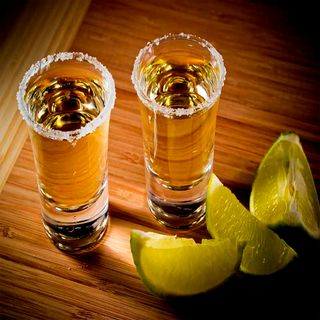 Tequila mexicano, favorecido con la reforma fiscal de EU