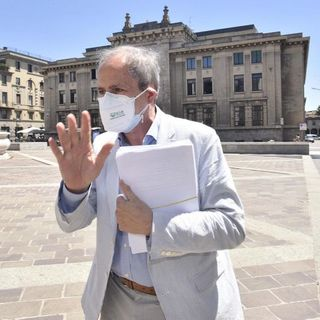 Covid, record di contagi in Italia: 7.332 in un giorno. Spettro lockdown a Natale