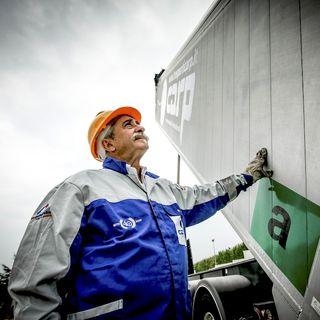 La fuga dal camion dei giovani: conseguenze e soluzioni