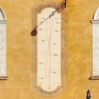 4 marzo 1869. Terminano i lavori per la meridiana in Piazza Municipale