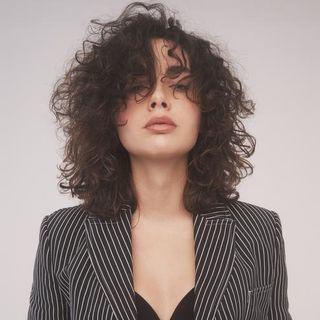 La cantante Madame elogia gli uomini e subisce una shitstorm