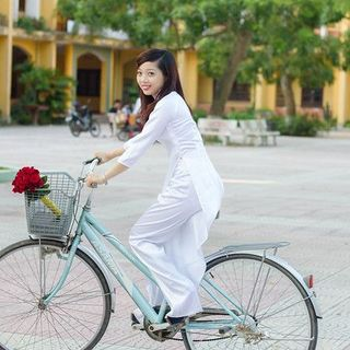 Vietnam's Beautiful Ao Dai