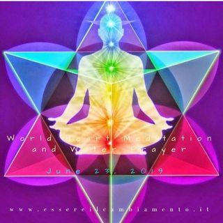 Buongiorno 😃☀️💖 questa mattina pratichiamo insieme la Meditazione di Amore e Gratitudine 2019! 😃💓💕🙏🏻🌈☀️💧