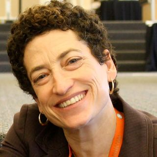 Naomi Oreskes - The Pope, Social Justice, Climate Change & Hope