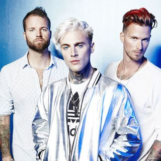Theresa Sits Down with Highly Suspect