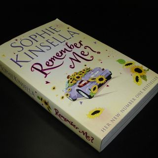 Review of Remember Me? By Sophie Kinsella