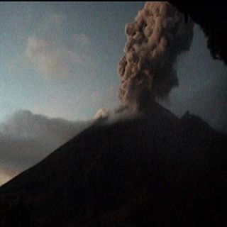 Autoridades alertan la caída de ceniza volcánica en el Estado de México
