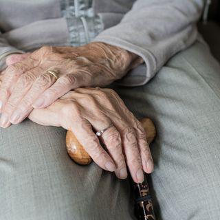 13 COME MARIA - La vecchietta e il curato