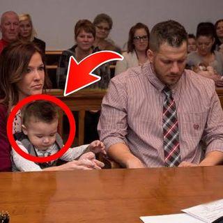 Erano emozionati di adottare il bambino quando ,quest'ultimo, ha commosso tutti davanti alla corte