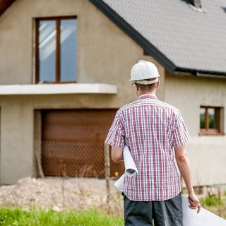 Compravendita di immobile con abuso edilizio e responsabilità del venditore