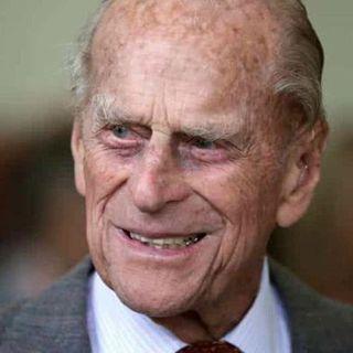 Si è spento il Principe Filippo, consorte di Elisabetta II. Aveva 99 anni