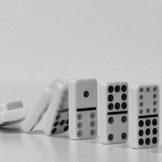 Historia del dominó