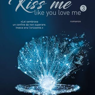 "Kira Shell ""Kiss me like you love me"""