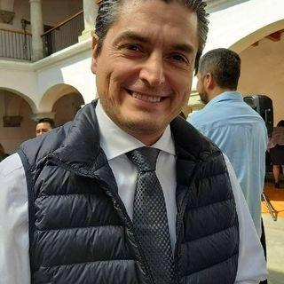 ACUSAN DE CORRUPTO A J CARLOS MÁRQUEZ HEINE