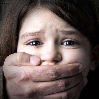 Scandalo Bibbiano bambini in affido, parlano Avv. Priolo e Giada, una madre testimone