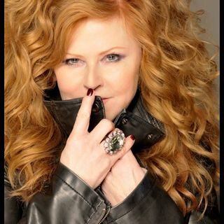 INTERVIEW WITH CAROL DECKER OF T'PAU 2020 ON DECADES WITH JOE E KRAMER