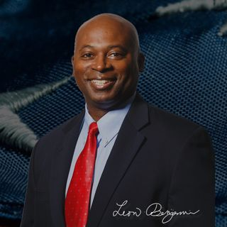 Ep73 – HALLELUJAH! Pastor Leon Benjamin Is Fired Up For the LORD, Our Nation, and VA-4!