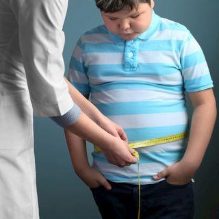 """¿Es bueno """"poner a dieta"""" a niñas y niños?"""
