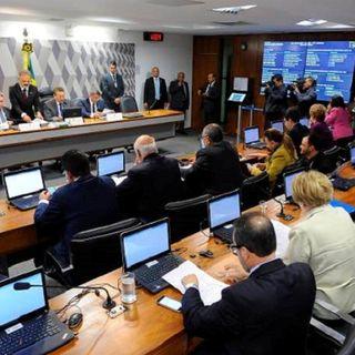 CCJ do Senado aprova relatório do desmanche da CLT