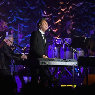"""Chicago's Robert Lamm: """"Everything Is Going To Work Out Fine,"""" performing on-stage and his wife's support."""