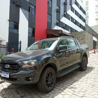Ford valoriza visual na Ranger Black #46
