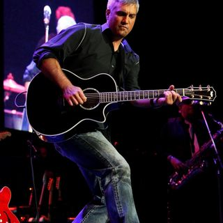 Former American Idol Winner Taylor Hicks