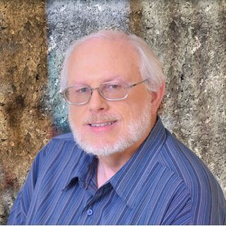 """Richard G. Lowe, Jr. – """"The Writing King"""" on the Importance of Branding Your Business with a Book"""