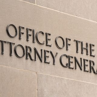 We Need A Female Attorney General To Go After Hillary, Obama, And The FBI!