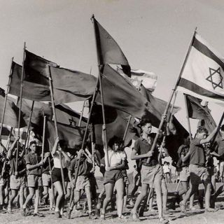 Joshua Muravchik:  Israeli Socialists Move On